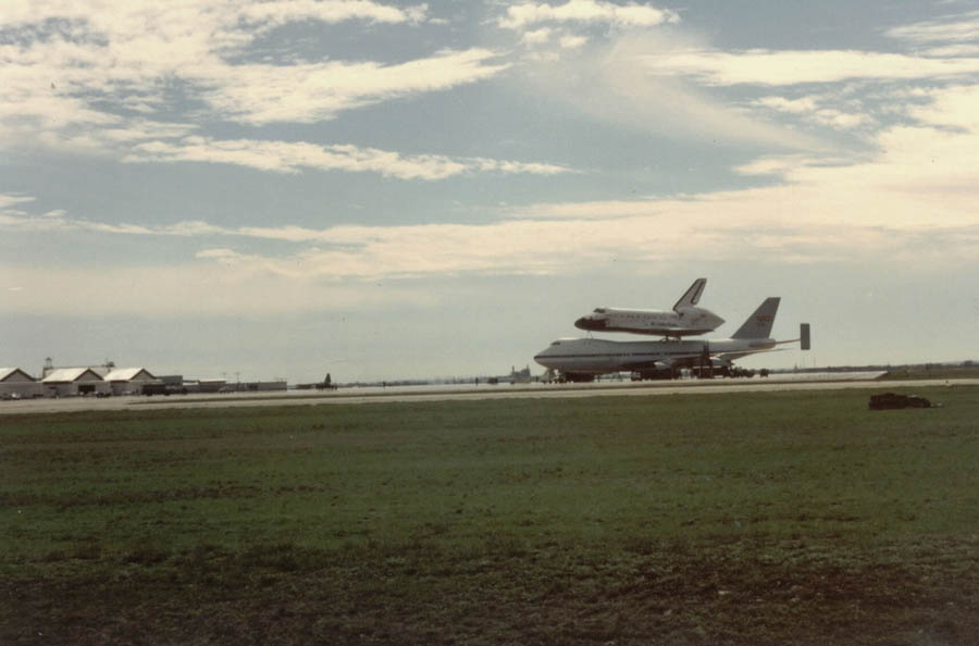 kelly afb space shuttle carrier aircraft - photo #13